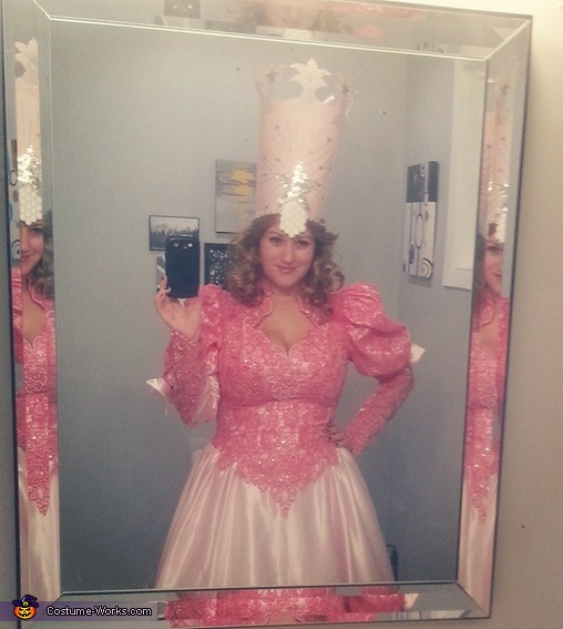 Glinda, Wizard of Oz Family Costume