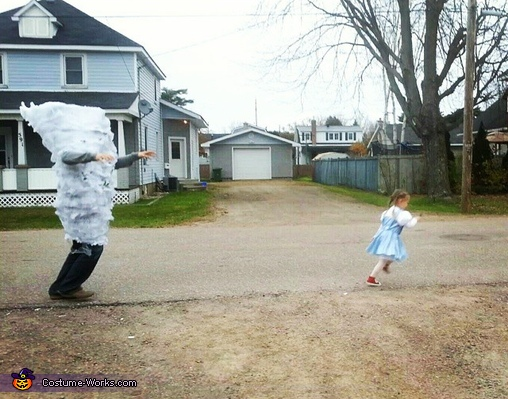Run Dorothy!, Wizard of Oz Family Costume