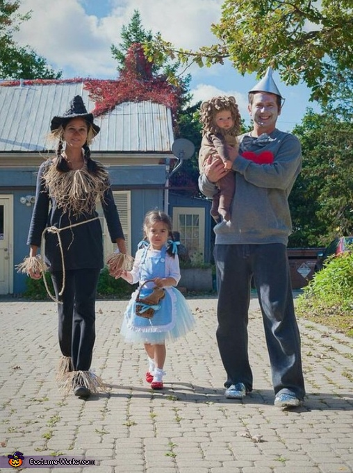 Yellow Brick Road, Wizard of Oz Family Costume