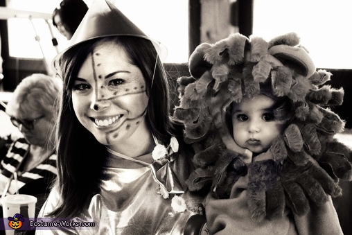 The Lion & Tinman (6 month old daughter w/ Mommy), Wizard of Oz Family Costume