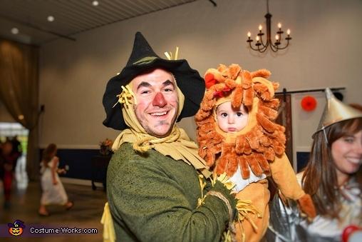 Scarecrow & Lion, Wizard of Oz Family Costume