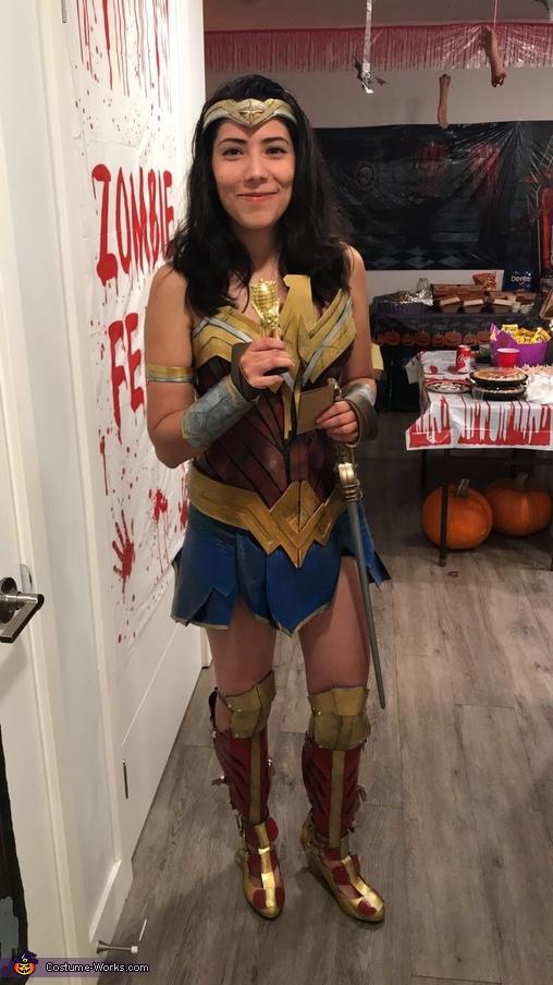 Wonder Woman, Wonder Woman Costume