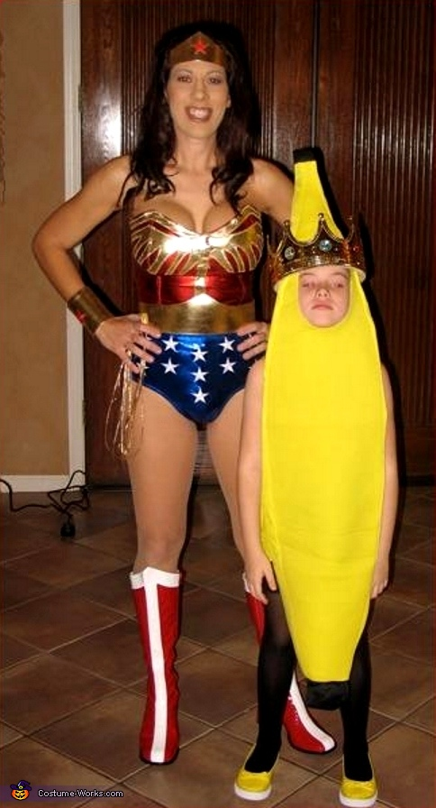 Wonder Woman and King Banana, Wonder Woman Costume