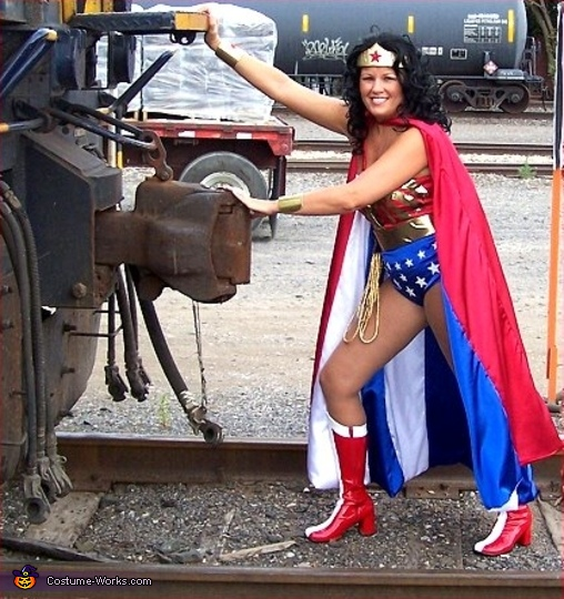 Crystal as Wonder Woman. Superheros - Homemade costumes for families