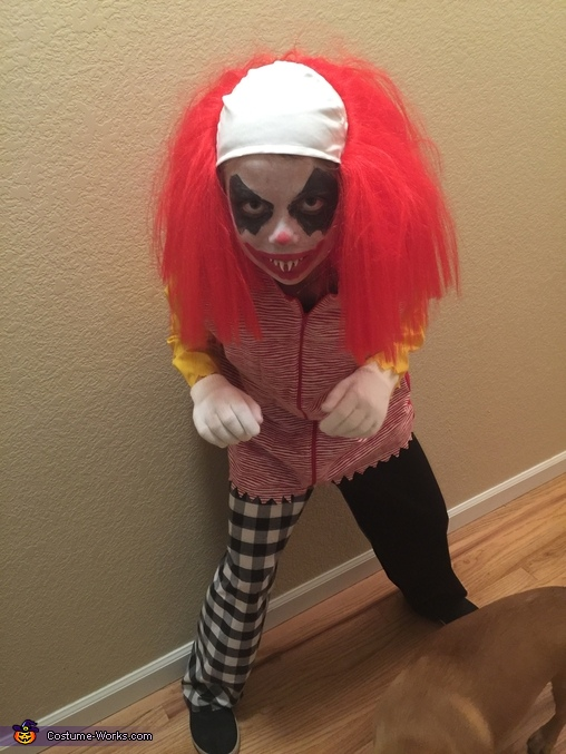 Wanna play, Wrongald McDonald Costume