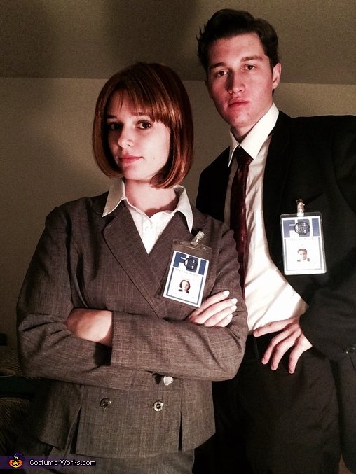 Agents Mulder and Scully, Fox Mulder and Dana Scully Costume