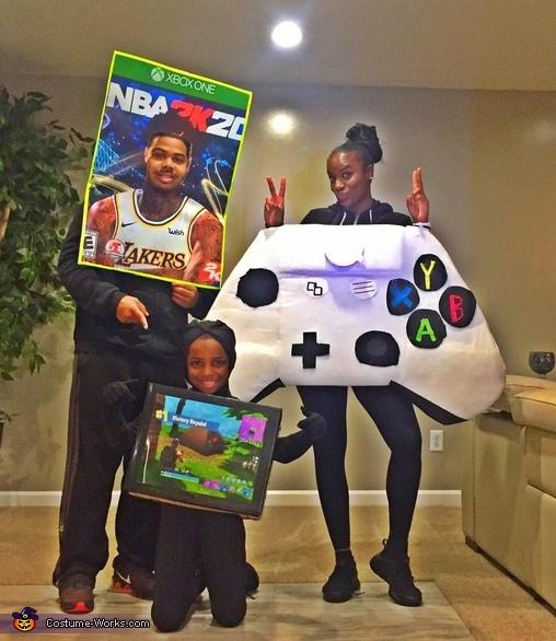 Xbox One Family Costume