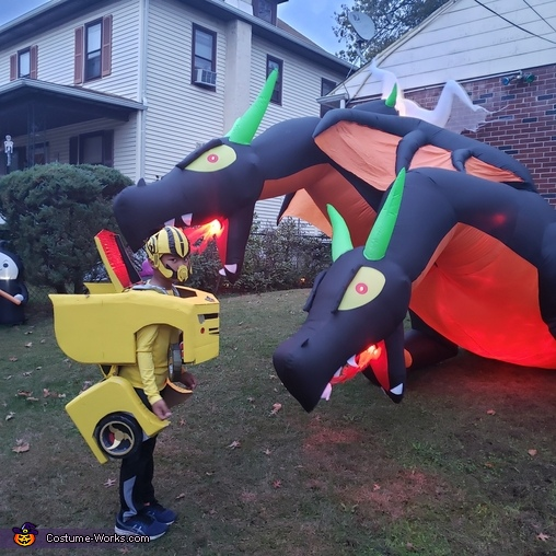 Dragons vs Bumblebee, Yellow Bumblebee Costume