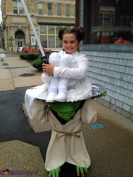 Yoda Carrying Princess Leia Costume