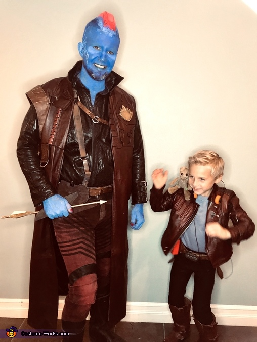 Young Star-Lord teaching Yondu to Lighten up, Guardians of the Galaxy - Yondu & young Peter Quill Costume