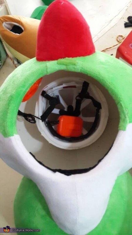 What's inside Yoshi's head?, Yoshi Costume