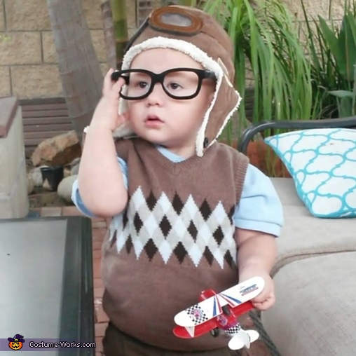 Young Carl from Up Costume