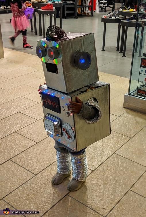 I'm a wobot, I'm a wobot!, ZENBOT3 Costume