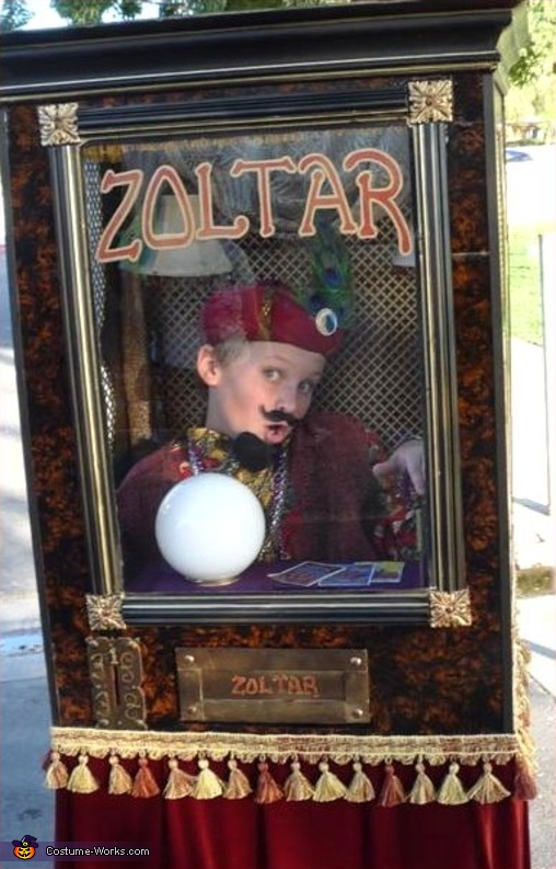 Zoltar... getting into character, Zoltar Costume