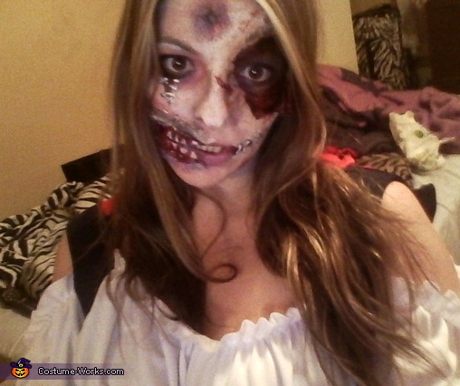 Creative Zombie Costume And Makeup
