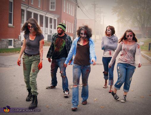 Zombies!!, Zombie! Costume