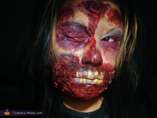 In the dark., Zombie Costume