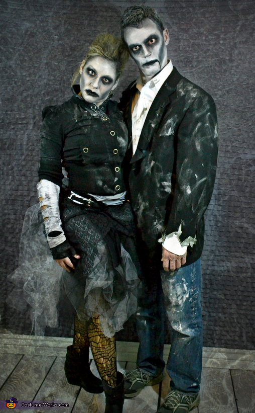 Mr & Mrs Zombie, Zombie Apocalypse Family Costume