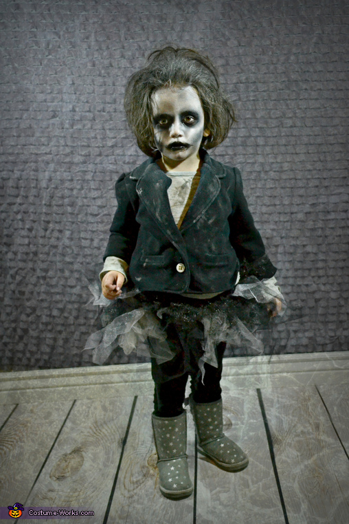 Miss Baby Zombie, Zombie Apocalypse Family Costume