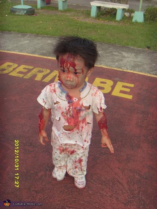 zombie pose, Zombie Baby Halloween Costume
