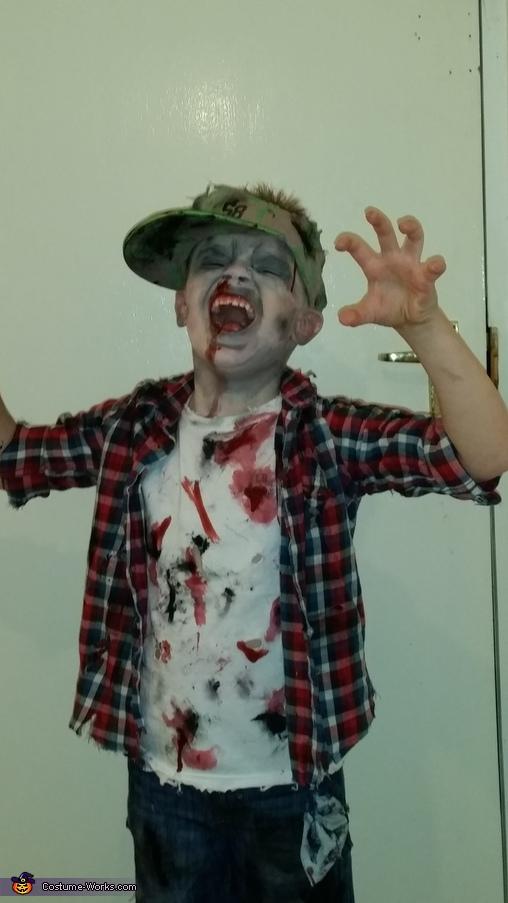 zombie boy pose, Zombie Boy Costume