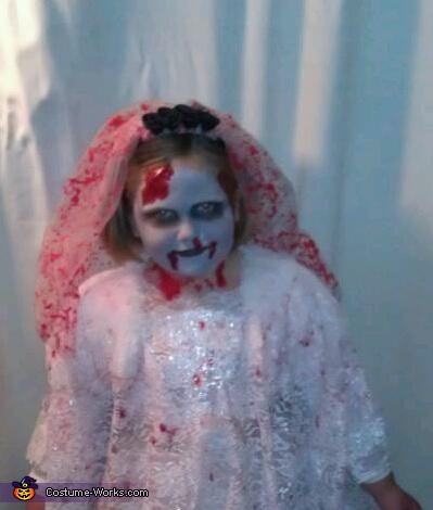 Close up , Zombie Bride Costume