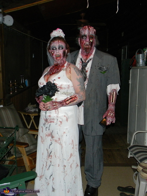 1433113f905 Zombie Bride and Groom Couple's Costume