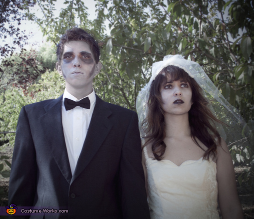 Zombie couples for life., Zombie Bride and Groom Couple Costume