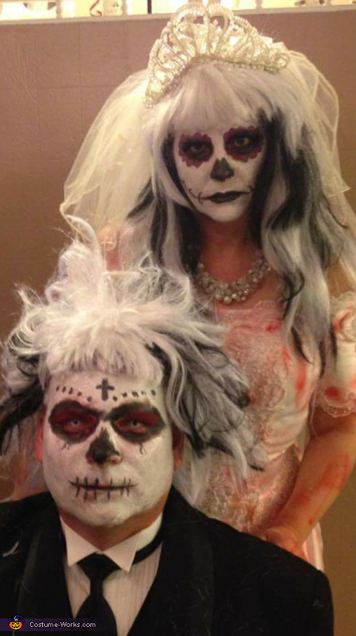 Zombie Bride and Groom Couples Costume