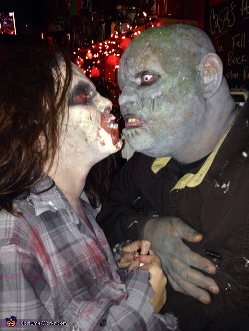 Zombies keepin the love ALIVE!, Zombie Couple with Baby Costume
