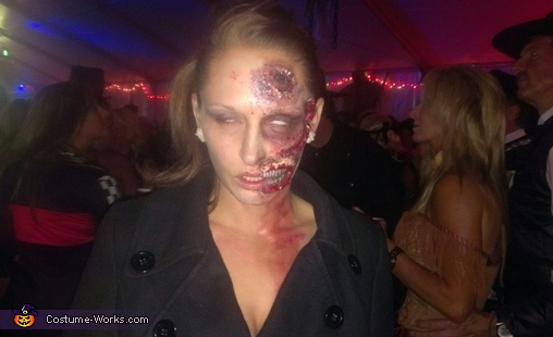 dead girl!, Zombie Death Match Couple's Costume