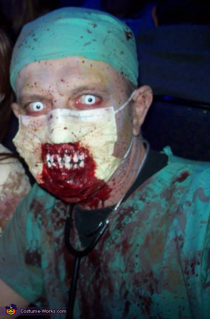 zombie doctor close up, Zombie Doctor Costume