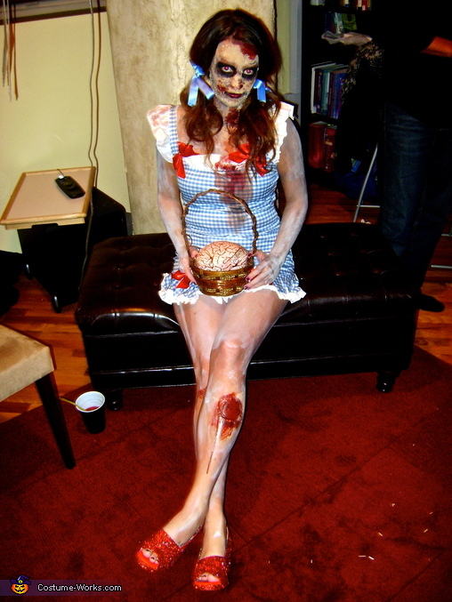 Zombie Dorothy, Zombie Dorothy and Scarecrow Costume