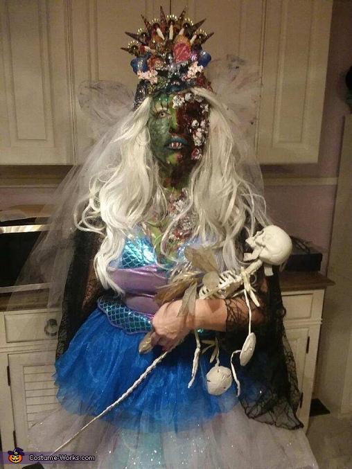 Zomie Mermaid Bride With Baby, Zombie Mermaid Bride Costume