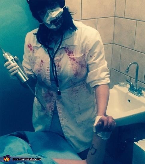 Zombie nurse, Scary Zombie Nurse Costume