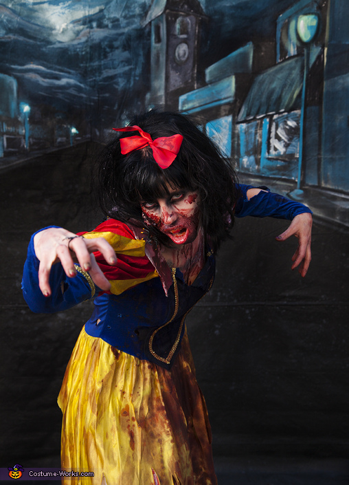 Zombie Snow White Costume