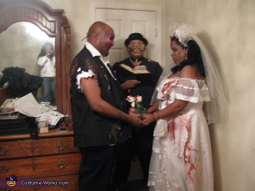 zombie's say ' I Do', Zombie Wedding Party Costume