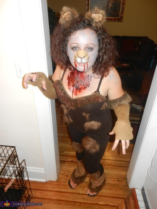 Zombie Cowardly Lioness, Zombie Wizard of Oz Group Costume