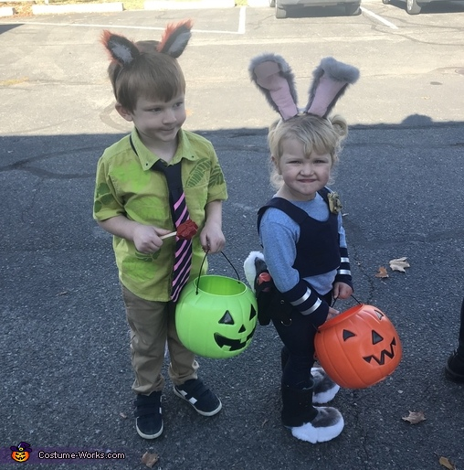 Nick and Judy getting along, Zootopia Movie Family Costume