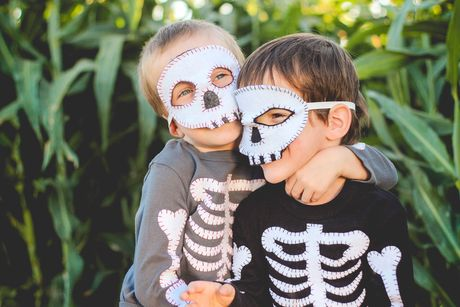Skeleton Costume {tutorial}