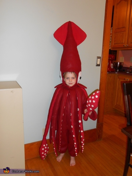Animal costume ideas for boys: Architeuthis Costume