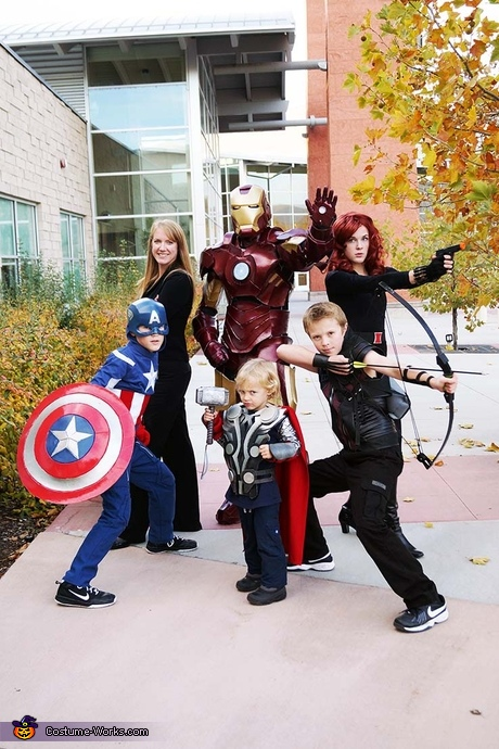 Group movie costumes: Avengers