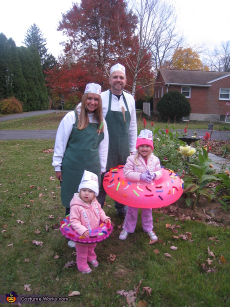 Fun Family Costume Idea: Doughnuts and Makers