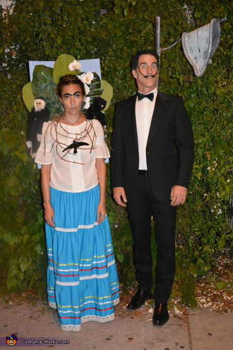 Halloween costume for couples: Frida Kahlo and Salvador Dali Costume