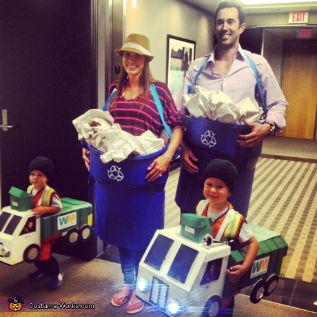DIY family costume ideas: Garbage Family