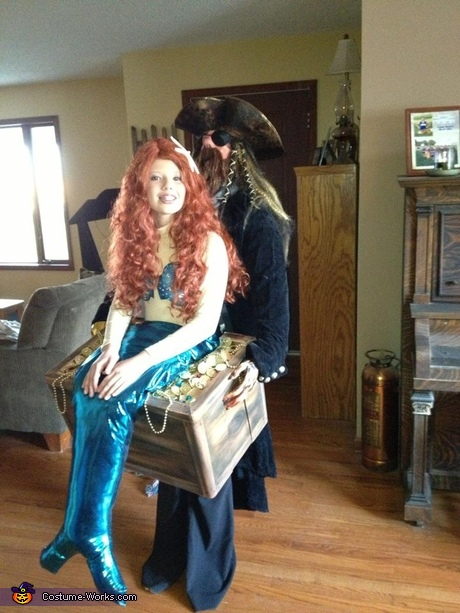 Illusion Halloween costume ideas - Mermaid in Pirate's Treasure Chest Halloween Costume