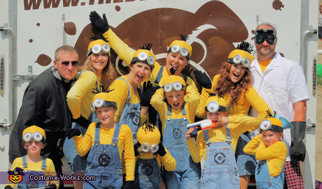 group costume ideas (Minions)