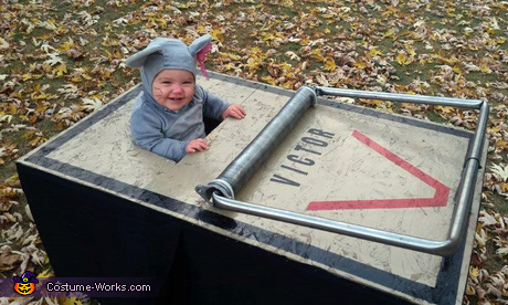 Cute animal costume ideas for toddlers: Homemade Mouse Trap Costume