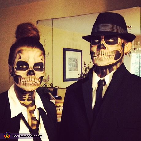 Couples Halloween costume ideas - Skeleton Couple Costume