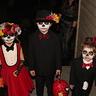 Photo #10 - Dia de los Muertos Familia